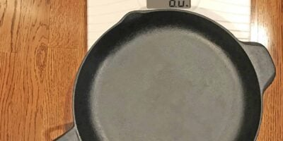 Average Cast Iron Skillet Weight (With 17 Examples)