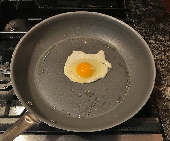Cooking an Egg With Abbio Non-Stick Cookware