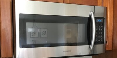 7 Easy Ways to Get the Burnt Smell Out of Your Microwave