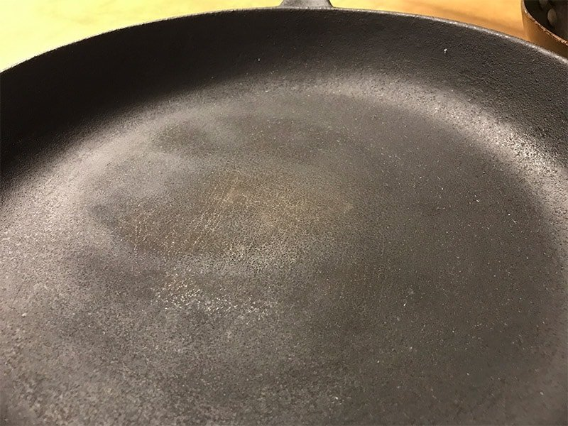 cast iron skillet bumpy cooking surface