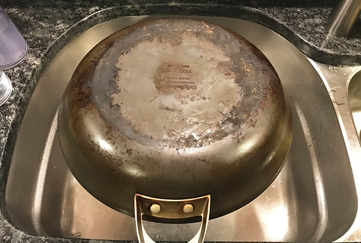 How to Clean Calphalon Hard Anodized Cookware