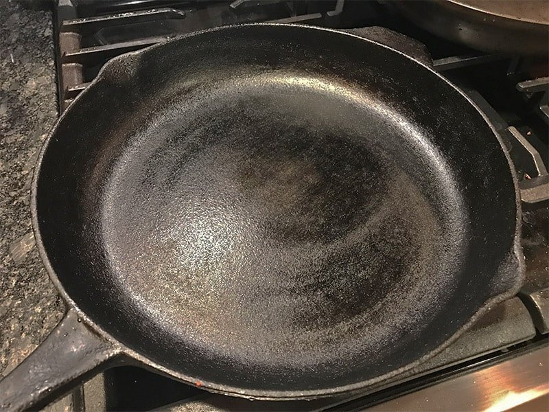 how to make a bare cast iron skillet non-stick