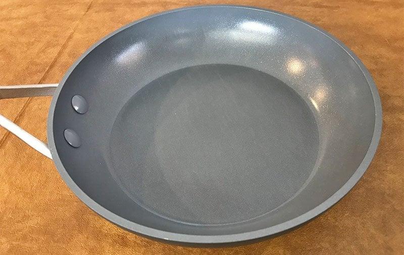 Ceramic non-stick pan