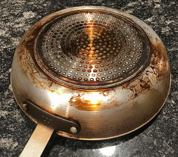 Discoloration on the bottom of the Misen non-stick pan