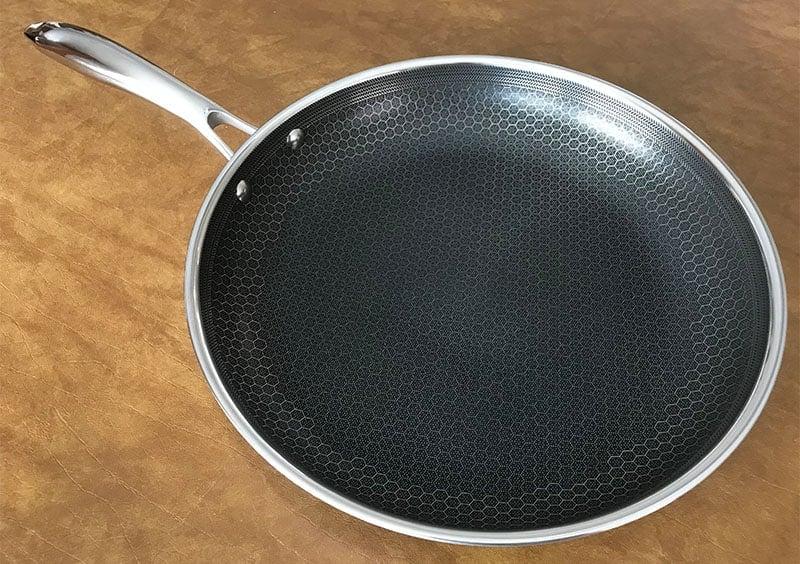 HexClad 12 Inch Frying Pan Design