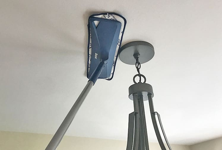 mop with pivoting head